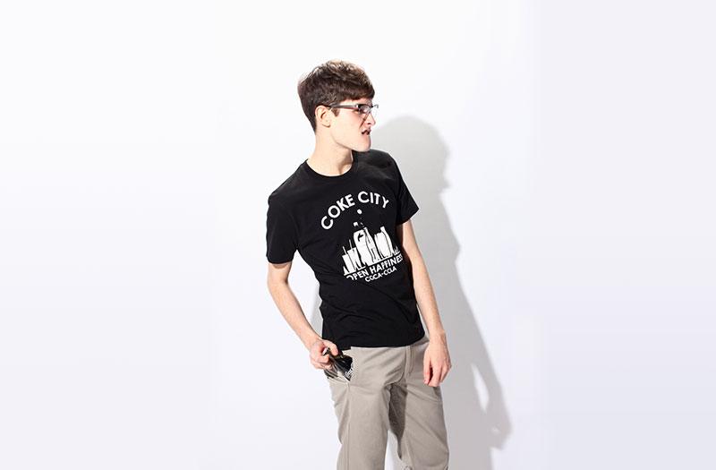 ユニクロのコーラTシャツデザイン